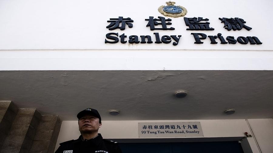 香港賊王季炳雄出獄 警方高度戒備押送國際機場