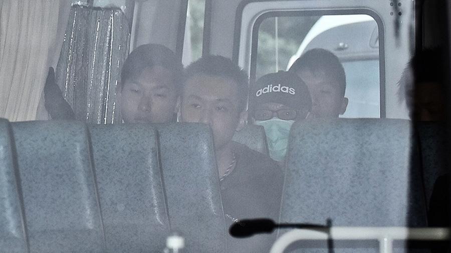 香港賊王抵美照片曝光 數名美入境處職員等候