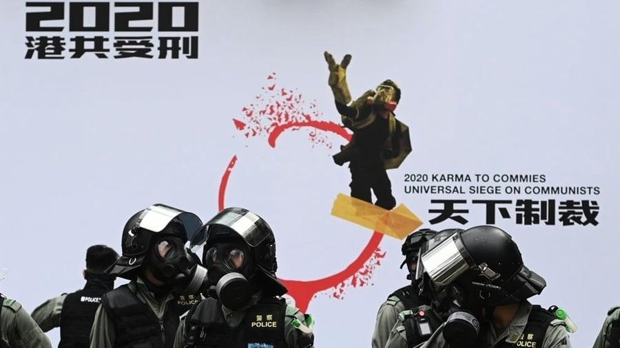 香港集會再遭催淚彈鎮壓 老人被捕滿頭血
