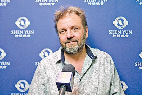 著名電視節目主持人Martin Roberts。