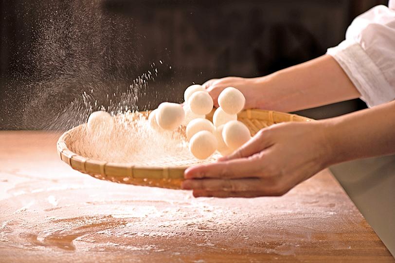 不想吃水餃的話,也可以嘗試煎餃。煎餃外皮較酥,口感特別。