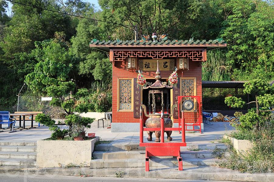 村民在六十年代集資興建呂祖廟(德陽堂),每年黃曆七月十八日舉行盂蘭勝會。(陳仲明/大紀元)