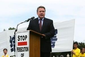 美議員:停止迫害法輪功 中國美好未來將到來