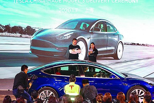 2020年1月7日,馬斯克參加特斯拉上海廠Tesla 3交貨儀式。(Getty Images)