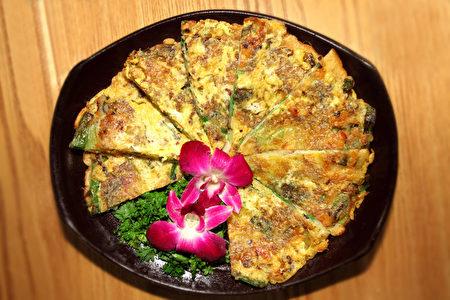煎餅也是南韓人非常喜歡的年菜,各種各樣的煎餅是色、香、味俱全。(大紀元圖片)