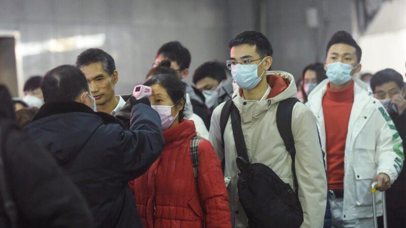 武漢口罩告急,多方消息顯示,中共官方拒絕外援,聲稱不接受境外勢力的東西。(China OUT (Photo by STR/AFP via Getty Images)