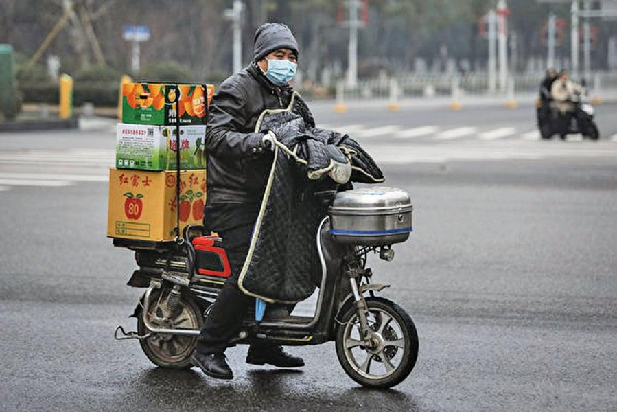 中國經濟疲弱 企業裁員花樣百出