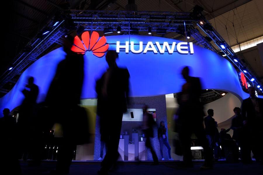 英國政府在1月28日宣佈,中國電信巨頭華為將參與建設該國的5G移動網絡。美國政府對此表示失望,指允許華為控制5G網絡、哪怕只是其中的任何一部份都不是安全選項。圖為華為示意照。(AFP)