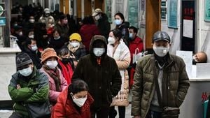 上海也慌了 市民為買口罩大打出手