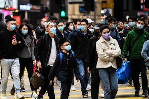 一罩難求 多區市民搶購口罩