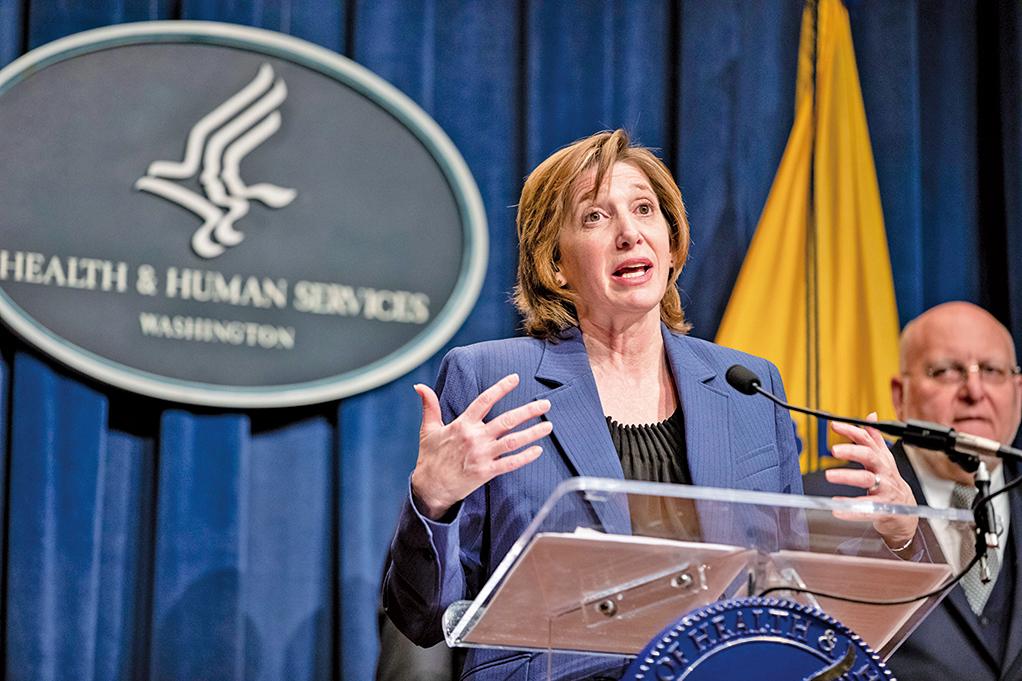CDC國家免疫與呼吸疾病中心主任南希梅森尼爾(Nancy Messonnier)在周一(1月27日)的記者會上簡要介紹了CDC實驗室對新型冠狀病毒的檢測工作。 (AFP)