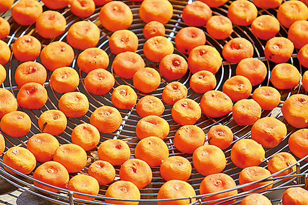 橘肉性質比較涼冷,燒過的橘子性質會轉變。(pixabay)