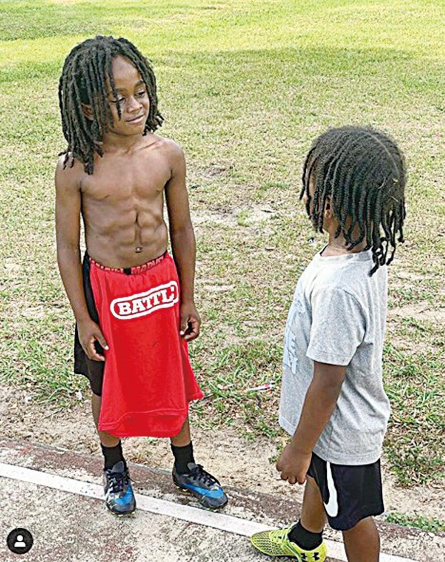 8歲魯道夫擁有成年人般的腹肌。(Blaze_813 Ig。)