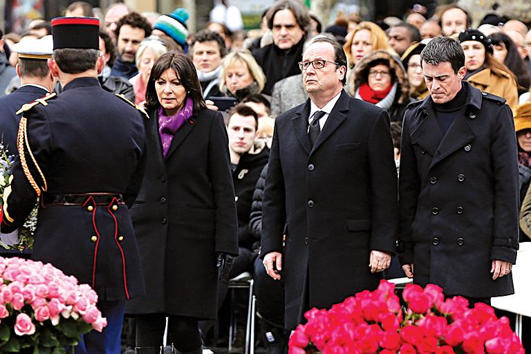 法隆重悼念2015恐襲死難者