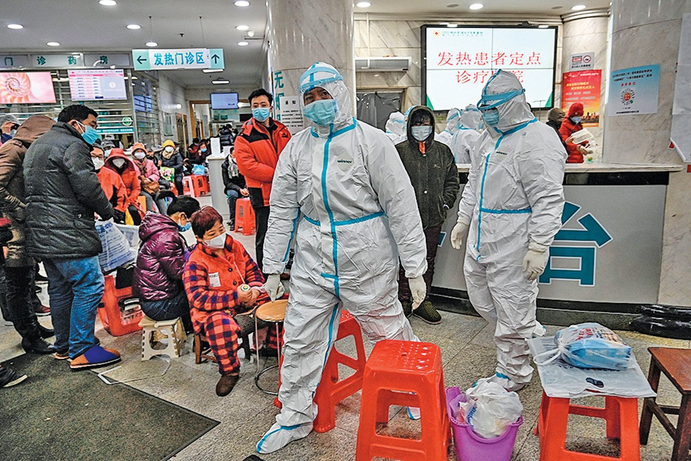 武漢肺炎疫情肆虐,死亡人數及確診病例暴增,其中不乏醫生。(AFP)