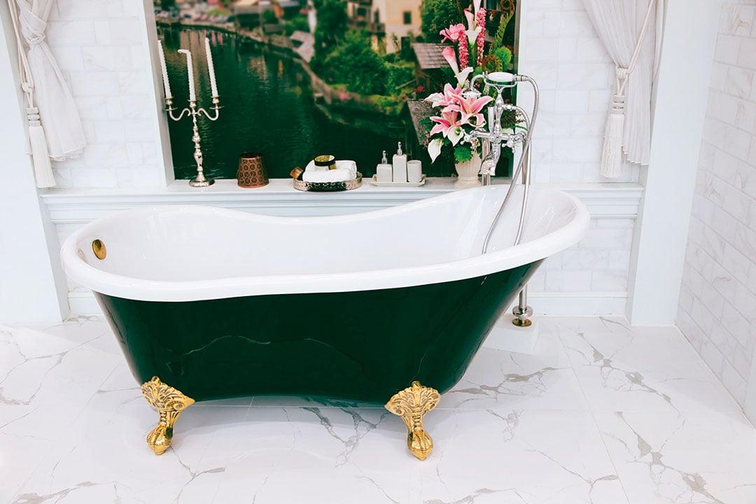 預計在新一年裏,獨立浴缸的奢華與美感,將吸引更多人。(shutterstock)