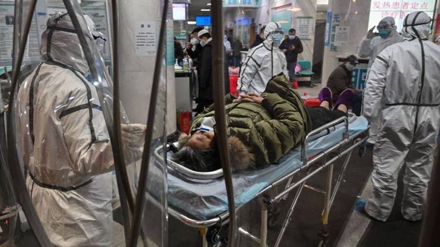 由於中共隱瞞,導致中共肺炎疫情失控,感染死亡人數超乎外界想像。(HECTOR RETAMAL/AFP via Getty Images)