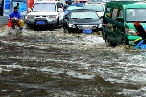中國北方四省暴雨 蘭州、太原、邯鄲被淹