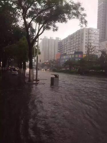 2016年7月19日9時,山西太原提升暴雨預警至橙色。(網絡圖片)