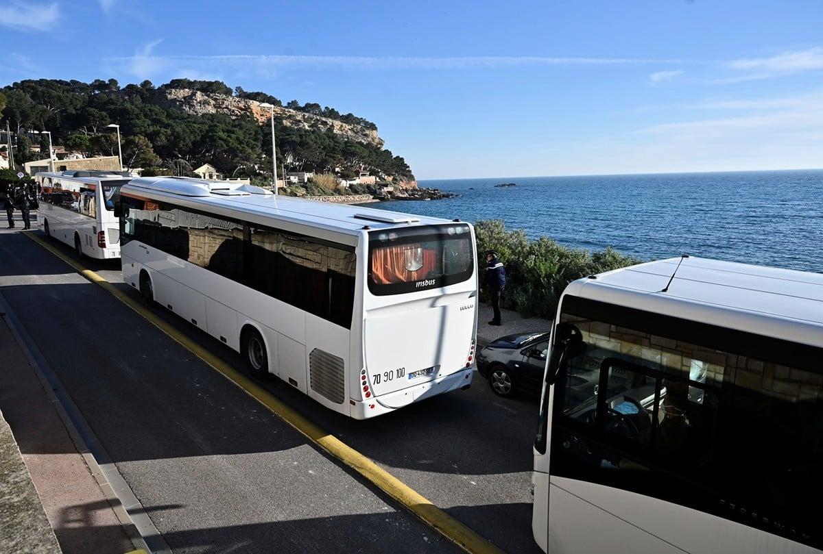 2020年1月31日,從武漢撤回的法國人被送到馬賽附近卡里勒魯埃(Carry-le-Rouet)的度假勝地The Vacanciel Holiday Resort進行隔離。(GERARD JULIEN/AFP)