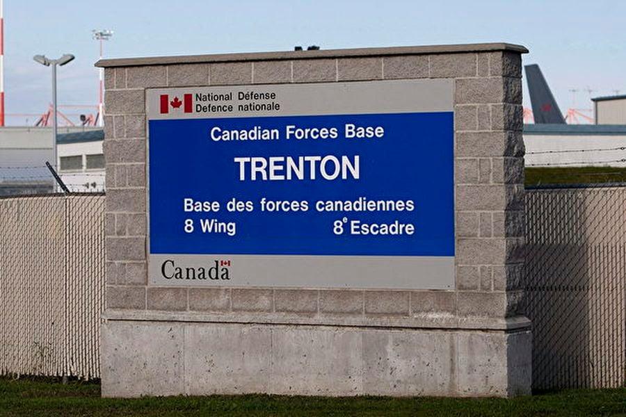 圖:聯邦政府表示,從武漢撤離的加拿大人員抵達加拿大後將在特倫頓空軍基地(Canadian Forces Base Trenton)隔離兩周。(加通社)