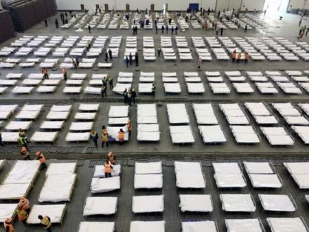 隨著「方艙醫院」的內部照片陸續曝光,讓不少中國網民顫慄不已。(網絡圖片)