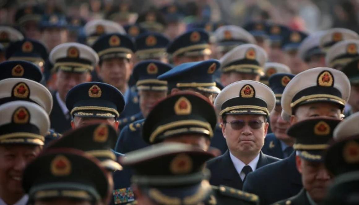 近日傳出中共空軍和武警已有人染病。圖為參加兩會的軍方代表。(圖片來源:Feng Li/Getty Images )