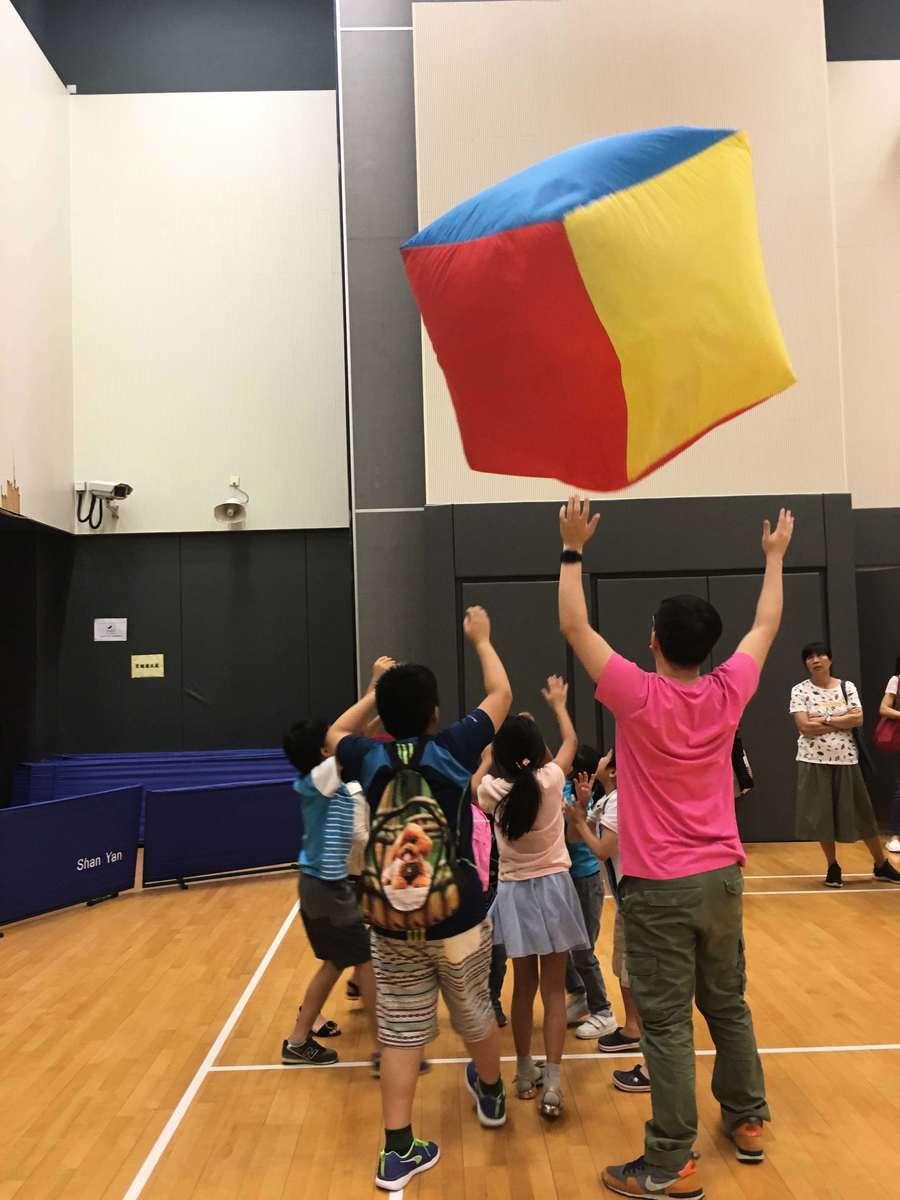 王詠詩常常舉辦工作坊,教學生玩不同的遊戲。(受訪者提供)