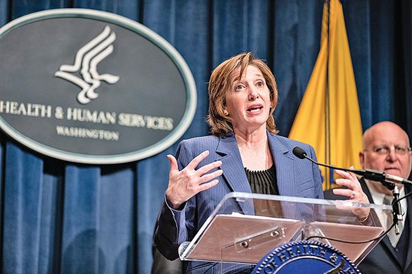 CDC國家免疫與呼吸疾病中心主任梅森尼爾1月28日在記者會上。(Getty Images)