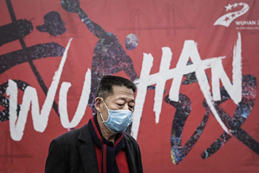 中共肺炎疫情在大陸持續延燒,口罩等醫療物資被政府控制,老百姓被限購,很難買到口罩。(Getty Images)