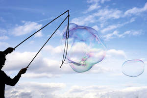 想吹出最大不破泡泡?試試物理學家秘方