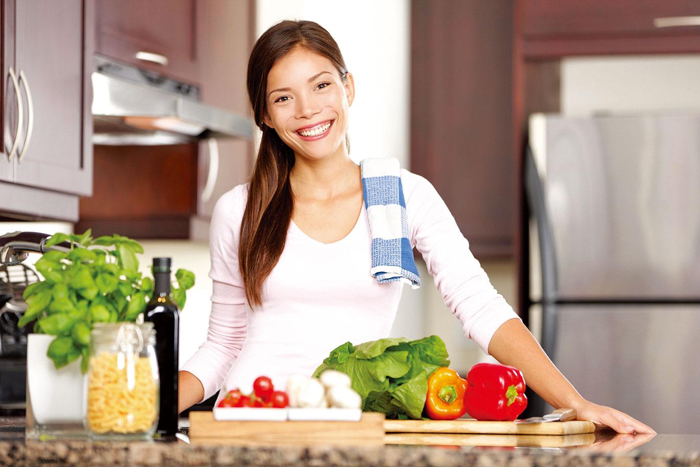 為了家人健康,不妨捲起袖子學習烹調吧!(圖/Fotolia)