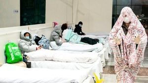 習近平下「死命令」 武漢瘋建隔離營醫療半癱瘓