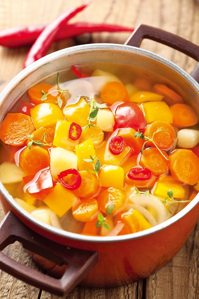 使用蔬菜燉煮出天然的美味。(Fotolia)