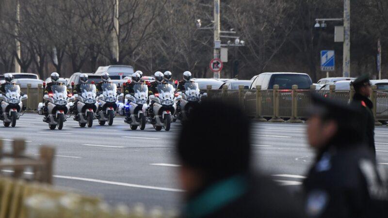 警察倒地畫面曝光 中共自曝近20警猝死