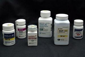 疫情影響原料供應 印度藥廠:庫存月底耗盡