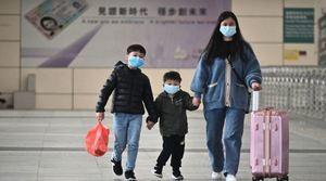 深圳實施出入證制度 市民被迫群體睡大街