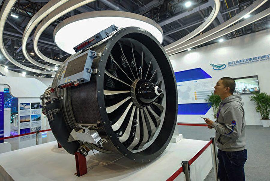 圖為2018年12月中國杭州博覽會上展示的,中國航空發動機公司推出的CJ-1000AX型發動機。(STR/ AFP/Getty Images)