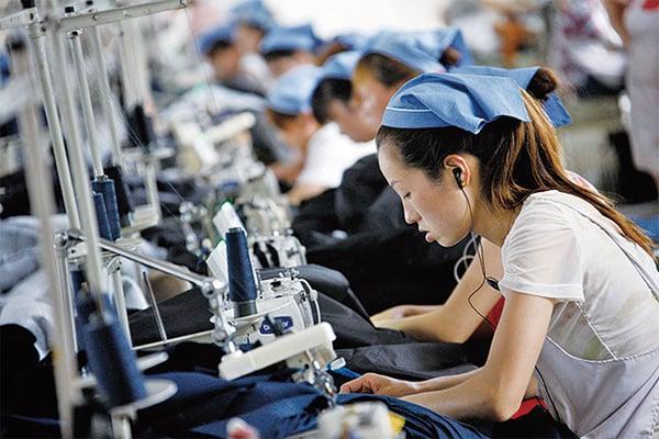中國疫情導致供應鏈中斷,一些跨國企業正考慮轉移生產線。(Getty Images)