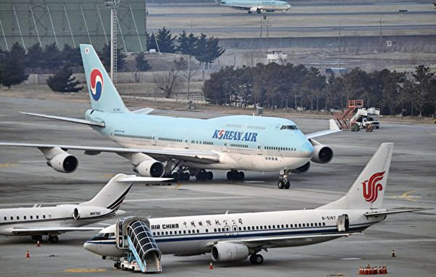 疫情衝擊 旅客劇減七成飛機停飛