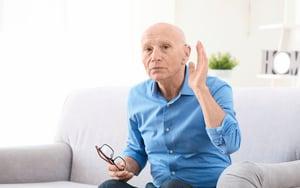 數十年聽力障礙 藉由微創手術獲得醫治