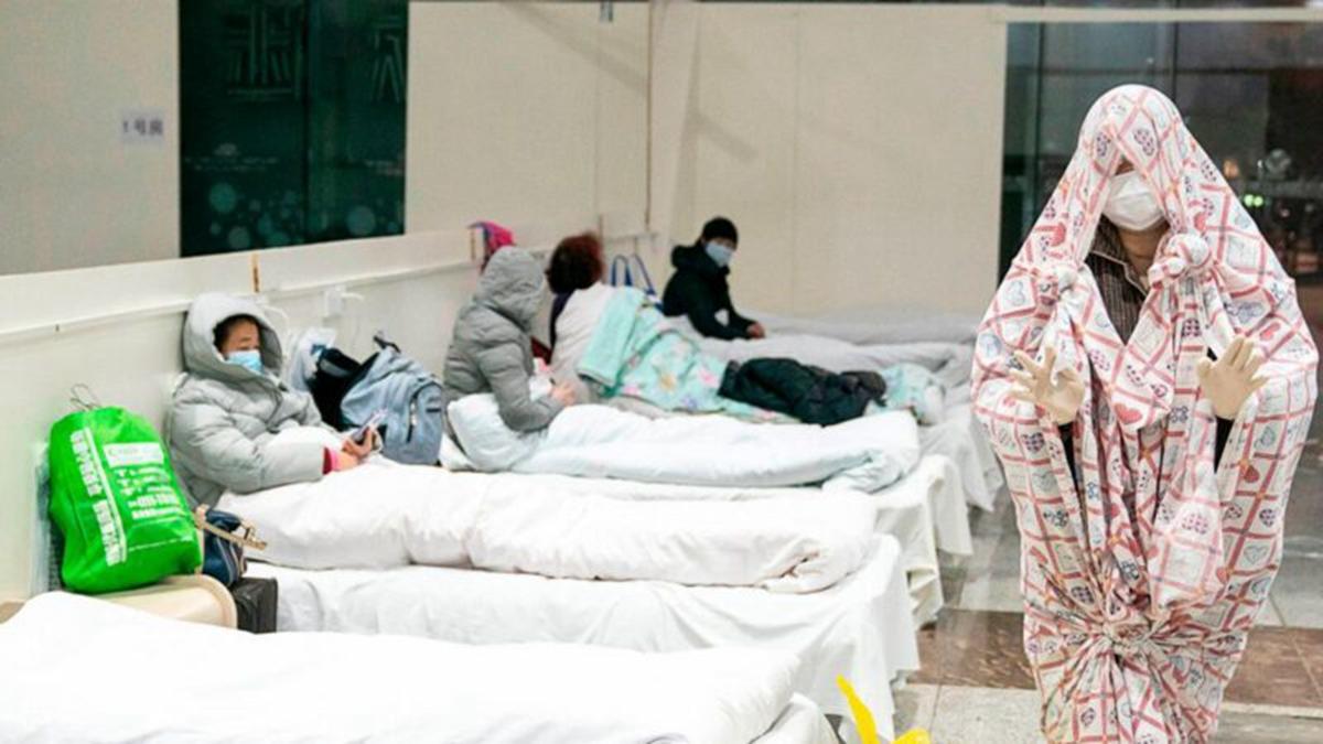 圖為武漢方艙醫院內部照片。(STR/AFP via Getty Images)
