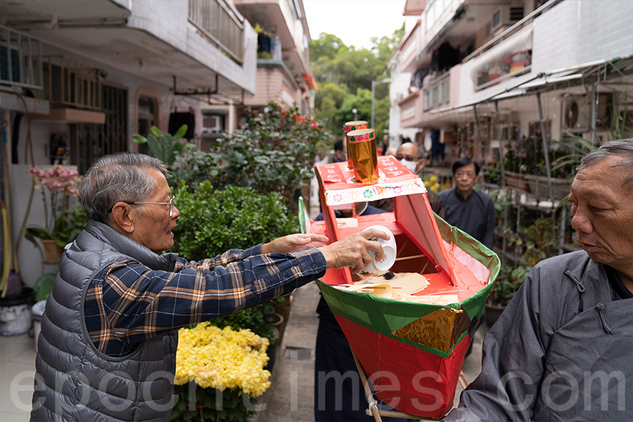「扒船」儀式。(陳仲明/大紀元)