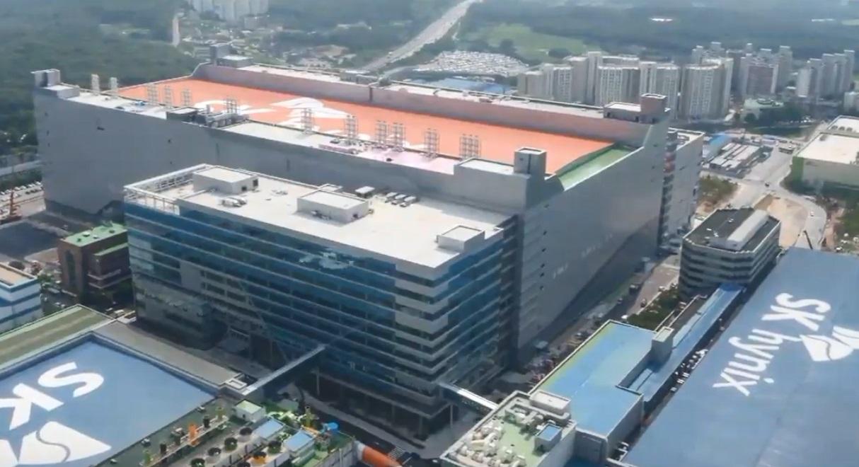 南韓記憶體晶片大廠SK海力士20日證實有2名新進員工確診中共肺炎(俗稱武漢肺炎、新冠肺炎)病例,要求800多名員工返家隔離。(影片截圖)