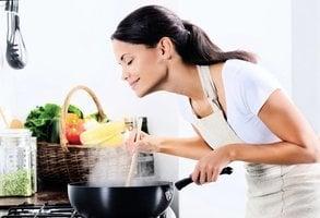 煮熟更安全 9種蔬菜最好不要生吃