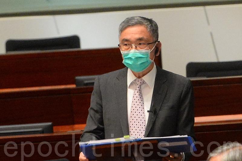 劉怡翔答非所問被批「發夢」