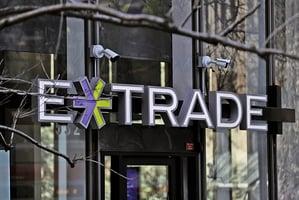 大摩130億美元收購E*Trade