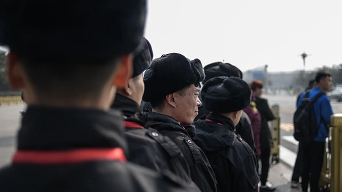 最新消息顯示,湖北省公安系統至少有逾千人感染中共肺炎。示意圖。( FRED DUFOUR/AFP/Getty Images)