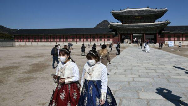 南韓近日疫情確診病例持續攀升,德國專家認為,疫情全球大流行不可避免。(JUNG YEON-JE/AFP via Getty Images)