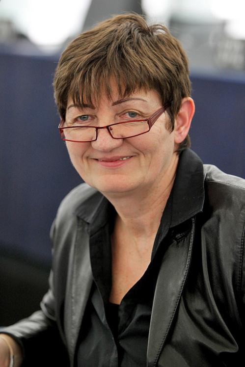 歐洲議會議員恩斯特博士(Dr. Cornelia Ernst)(GUE/NGL)
